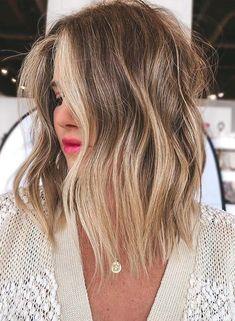 Women's Haircuts Medium, Medium Hairstyles, Hairstyles Haircuts, Cool Hairstyles, Medium Length Hair Cuts With Layers, Medium Hair Cuts, Waves Haircut, Medium Waves, Hairy Women
