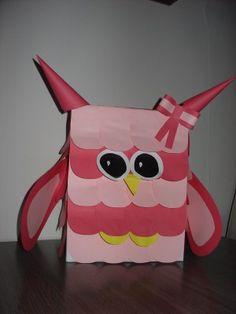 Sinterklaas surprise uil. Pikachu, Lunch Box, Owls, Van, Fictional Characters, Bento Box, Owl, Fantasy Characters, Vans