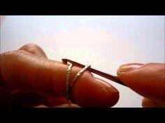 In questo video realizziamo il Magic Ring o Cerchio Magico all'uncinetto…