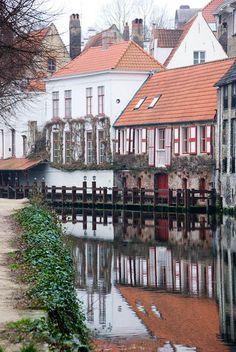 (via Canal in Brugge, a photo from West-Vlaanderen, Flanders | TrekEarth)  Bruges, Belgium
