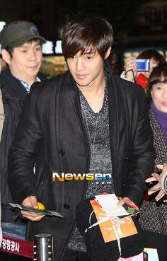 Hyun Joong Off to Japan 11.22.12