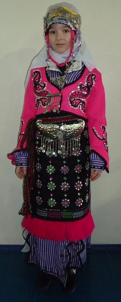 Traditional bridal/festive costume of the Türkmen villages from the Antalya region. Style: mid-20th century. This is a recent workshop-made copy, as worn by folk dance groups.
