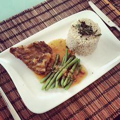 fazolky, rýže, steak