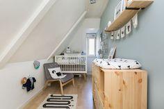 Kleine jongens babykamer   Foto via Funda