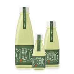 """Green soy milk is a deep taste and a rich taste! 感激の美味しさ! 希少品種・商標登録""""上江の大豆""""100%使用。緑の色合いも美しい『プレミアム豆乳』です♪   #濃厚 #豆乳 #上江の緑豆 #プレミアム豆乳 #上江ファーム #はっとりよせ #お取り寄せ"""