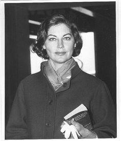Ava Gardner knows never to be caught without a book.