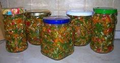 Zarzavaturi la borcan excelente pentru supe sau ciorbe. Bucatele vor fi pline de vitamine chiar și iarna.
