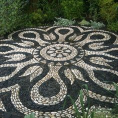Mandala backyard patio project - love these. Next rock project??