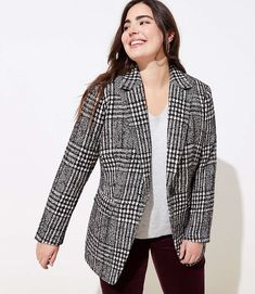 Find sales on LOFT Plus Plaid Tweed Long Modern Blazer and other deeply discounted products at Shop Scenes. Loft Outfits, Fashion Outfits, Look Office, Addition Elle, Columbia Sportswear, Tweed Blazer, Blazer Buttons, Plus Size Outfits, Plus Size Fashion