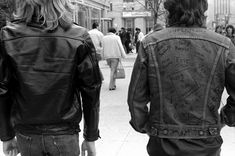 In when I was I made a bet with my father-that the band Jethro Tull would be popular for at least another five years. Classic rock is here to stay Jethro Tull, Landscape Photographers, Classic Rock, 1980s, Toronto, Leather Jacket, Jackets, Journey, Image