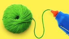 6 Wonderful Flower Crafts Ideas with woolen yarn Diy Pom Pom Rug, Pom Pom Crafts, Flower Crafts, Pom Poms, Craft Flowers, Easy Yarn Crafts, Yarn Crafts For Kids, Fun Crafts, Diy Yarn Orbs