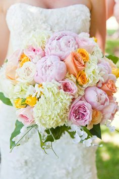 Rose Peony and Hydrangea Bouquet - would have mine similar, but with white peonies and blue hydrangeas Hydrangea Bouquet Wedding, Spring Wedding Bouquets, Bridal Flowers, Floral Wedding, Bridal Bouquets, Angie's Flowers, Spring Bouquet, Wedding Colors, Garden Wedding
