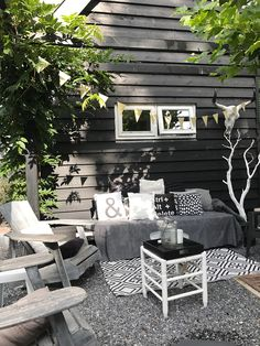 Small Rustic Terrace Garden Design Ideas with Low Budget to Improve Your H. Small Rustic Terrace Garden Design Ideas with Low Budget to Improve Your Home Small Terrace, Small Patio, Canopy Outdoor, Outdoor Decor, Terrace Garden Design, House Siding, White Gardens, Home And Deco, Interior Exterior