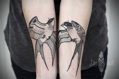 Swallows, forearms, a / symmetry, by David Hale tattoo Couple Tattoos, New Tattoos, Tattoos For Guys, Bird Tattoos, Tatoos, David Hale Tattoo, Hawk Tattoo, Raven Tattoo, Tattoo Ink