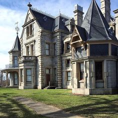 #TBTravel: The Lockwood-Mathews Mansion, America's first chateau, is a 62-room…