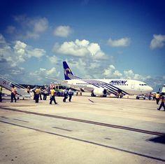 Recibiendo a nuestros agentes en el #MAGNIFam2013 #Magnicharters #Cancún