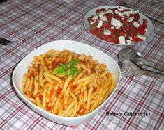 Betty's Cuisine: Ζυμαρικά με σπιτική σάλτσα ντομάτας