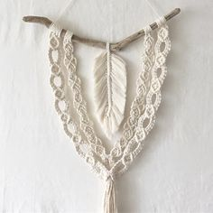 The automatic replacement text cannot be used. - The automatic replacement text cannot be used. Macrame Wall Hanging Patterns, Macrame Plant Hangers, Macrame Patterns, Macrame Design, Macrame Art, Macrame Projects, Modern Macrame, Macrame Curtain, Knots