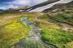 Landmannalaugar- zielone strumienie napędzane śniegiem