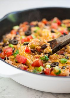 One pot cheesy chicken Tex Mex - it's fast delicious and makes a great freezer meal too! Can be enjoyed with chips, in tacos, burritos, enchiladas & burrito bowls. This one pot Tex Mex dish One Dish Dinners, Dinner Dishes, One Pot Meals, Main Meals, Main Dish Salads, Main Dishes, Cheesy Chicken, Tex Mex, Meals For The Week