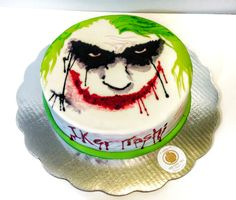 JOKER cake                                                       … Cupcake Birthday Cake, Cupcake Cakes, Holloween Cake, Joker Cake, Le Joker Batman, Halloween Treats For Kids, Hand Painted Cakes, Superhero Cake, Sweets Cake