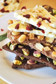 Advent, Advent – gifts from the kitchen: homemade chocolate break – homemade ch… - Schokolade Homemade Chocolate, Vegan Chocolate, Chocolate Recipes, Chocolate Gifts, Chocolate Bark, Xmas Food, Christmas Baking, Cooking Fresh Pasta, Cupcakes Amor