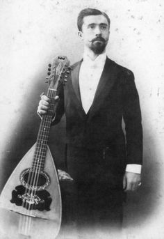 Raffaele Calace with Liuto Cantabile: essentially a 10-string mandocello, thought to have been invented by the luthiers of Naples in the late 19th century. Raffaele Calace was not only a builder but also a virtuoso performer and world-class composer on mandolin and liuto cantabile