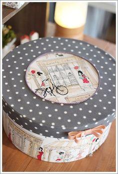 2014年10月 : カルトナージュ ノート Box Company, Cardboard Art, Pintura Country, Hat Boxes, Pretty Box, Altered Boxes, Sewing Box, Dose, Box Art
