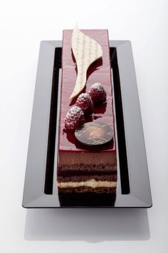 La gamme d'entremets Elegant Desserts, French Desserts, Beautiful Desserts, Sweet Desserts, Beautiful Cakes, Cupcakes, Cupcake Cakes, Decoration Patisserie, French Cake