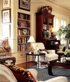 Mary Carol Garity's house (of Nell Hill's fame) -- Gorgeous, cozy living room filled with books and antiques Cozy Living Rooms, Home Living Room, Living Room Decor, Living Spaces, English Living Rooms, Sitting Rooms, Bedroom Decor, English Country Decor, French Country