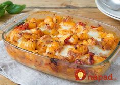 Gnocchi-Paprika-Mozzarella Auflauf verfeinert mit frischem Basilikum - My list of the most healthy food recipes Veggie Recipes, Pasta Recipes, Vegetarian Recipes, Healthy Recipes, Healthy Food, Fresh Basil Recipes, Hello Fresh Recipes, Mozzarella, Casserole Recipes