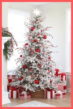 elegant christmas tree Check out How to create awesome Christmas Trees. Because a Christmas Tree lights up a house with goodwill. White Flocked Christmas Tree, Rainbow Christmas Tree, Elegant Christmas Trees, Traditional Christmas Tree, Rustic Christmas, Beautiful Christmas, Christmas Home, Christmas Swags, Christmas Mosaics