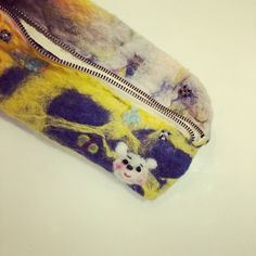 pen case。 ペンケース。 felted wool 羊毛フェルト。