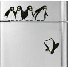 Öntapadós vicces pingvines matrica hűtőre, falra! Remek dekorációs ajándék ötlet!