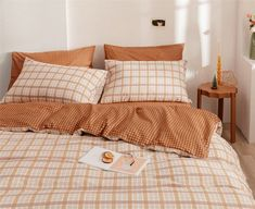 Dream Rooms, Dream Bedroom, Room Ideas Bedroom, Bedroom Decor, Bedroom Inspo, Cama Vintage, Minimalist Room, Minimalist Bedding Sets, Cute Room Decor