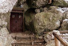 Peștera Colţul Chiliilor din Piatra Craiului