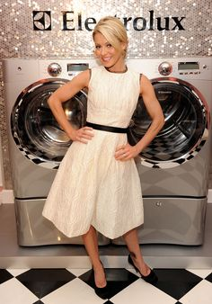 Kelly Ripa looks stunning at the Electrolux Chari-Tea Party!I love Kelly i bought my washer and dryer because of her ! she sold it to me in her commercials! Kelly Ripa House, Kelly Ripa Mark Consuelos, Celebrity Branding, Mom Daughter, Daughters, Photo Awards, Celebs, Celebrities, Looking Stunning