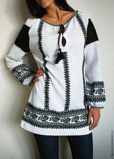 """Блузки ручной работы. Вышитая блуза туника вышиванка """"Магия чёрного"""". Ручная вышивка от Ольги Стрельцовой. Ярмарка Мастеров. Вышивка"""