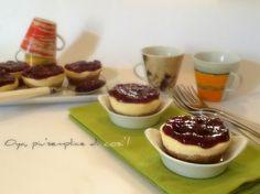 Mini cheesecake con marmellata, ricetta. http://blog.giallozafferano.it/oya/mini-cheesecake-con-marmellata-ricetta/