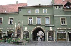 Tor unter dem Stadtturm