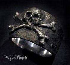 Skull Ring,Pirate Ring,Skull and Crossbones Ring,Mens Silver Skull Ring, Biker ring, Rocker ring,Custom Sterling Silver Skull Ring,.925