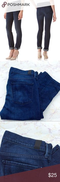 Vince Cameron Cigarette Stretch Leg Jeans Vince Stretch jeans. Size 29. Button closure. Cameron Cigarette. Dark wash. 98% cotton 2% elastane. 29 waist. Inseam 31. Rise 10. Has wear shown in photos but in good condition. Vince Jeans Skinny