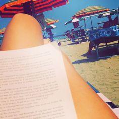 Beachday, Italy  #vacation #rimini #reading #grey #beach #sea