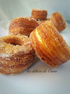 (Recipe in French) Donuts, Beignets, Delicious Desserts, Dessert Recipes, Biscuits, Tasty Bakery, Bread And Pastries, Croissants, Pastry Cake