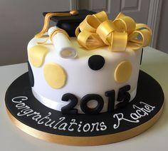 Mini cakes goat-zucchini and ricotta-spinach - Clean Eating Snacks Graduation Cake Designs, Graduation Party Decor, Graduation Ideas, Fondant Cakes, Cupcake Cakes, Congratulations Cake, Foto Pastel, Geometric Cake, Salty Cake