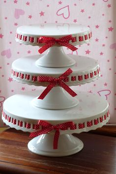 .cakestandland.co.uk & Ribbon cake plates from Layla Grace- have always loved these. One ...
