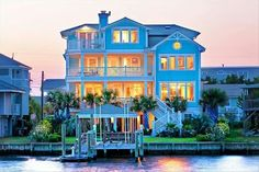 Vacation home in the North Carolina Coast w/6 bedrooms + 6 bathrooms <3 ;)*