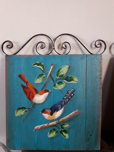 Painting On Wood, Painting & Drawing, Recycled Crafts, Room Inspiration, Graffiti, Recycling, Birds, Hand Painted, Crafty
