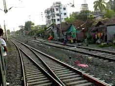 Getting into Dum Dum Junction: Sealdah Rajdhani, Kolkata Metro, EMU caught collectively - http://indiamegatravel.com/getting-into-dum-dum-junction-sealdah-rajdhani-kolkata-metro-emu-caught-collectively/