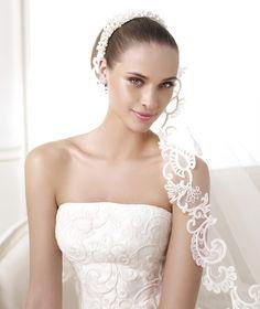 BONGANI - A-line wedding dress. Collection 2015 COSTURA   Pronovias